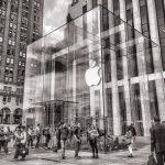 """USA المحكمة العليا تنظر في دعوة """"بعض المستهلكين"""" ضد شركة """"أبل"""" بشأن نظام """"الاحتكار"""" في متجر أبل"""