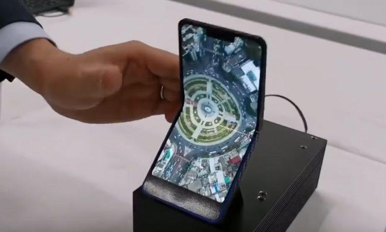 شركة شارب هاتفها الجديد القابل للطي عمودياً